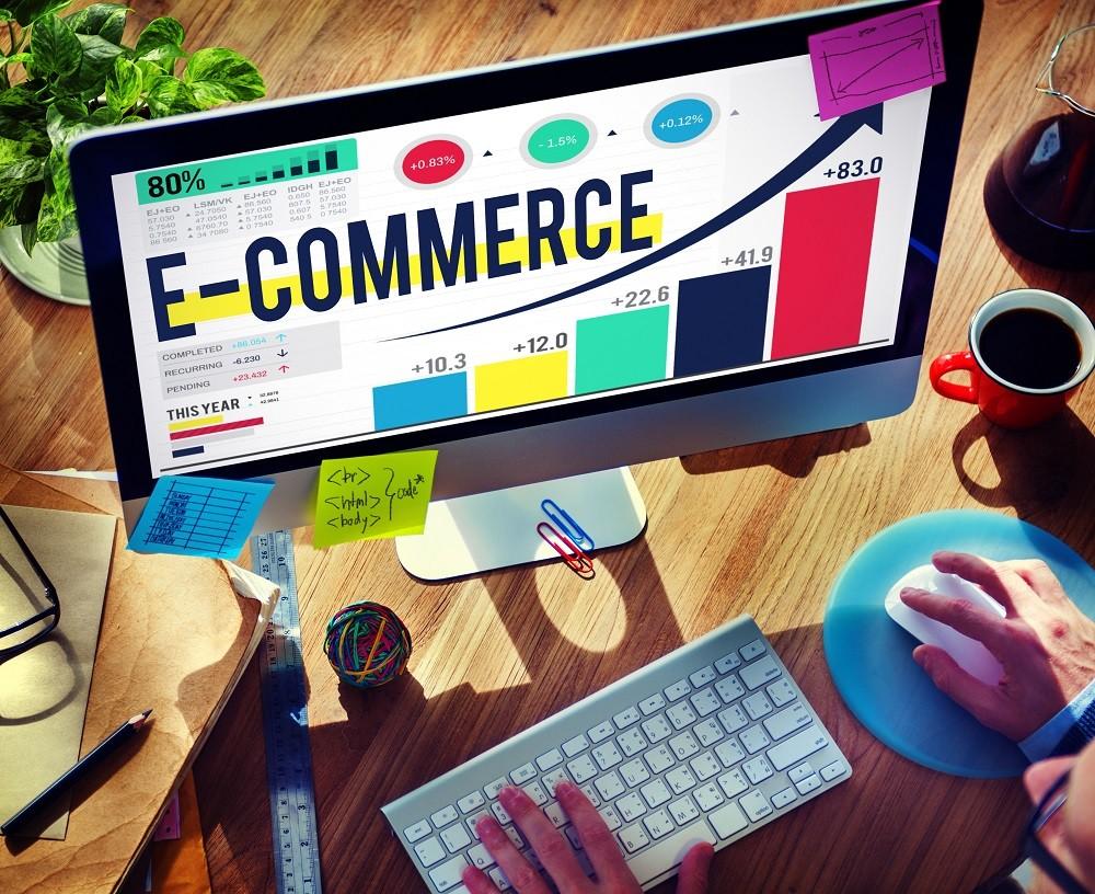 e-commerce na monitorze