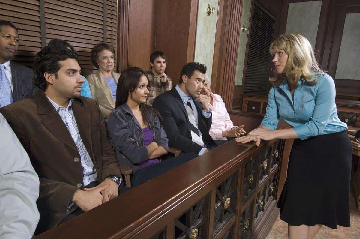 rozmowa z przysięgłymi w sądzie